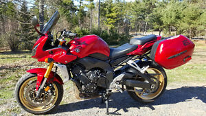 2008 YAMAHA Fz1*LOW MILAGE*ACCESSORIZED FOR TOURING*