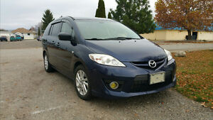 Mazda5 Minivan fuel efficient and clean