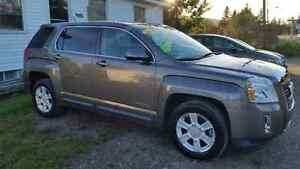 2012 Terrain AWD only 66000kms drastically reduced to move fast