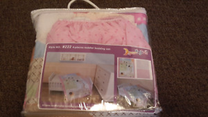 Crib bedsheets/cover set with pillow
