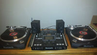 Pair Numark tt500 direct drive turntables