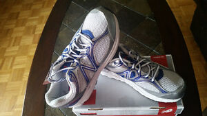 NEW Women's New Balance w840 Running Shoes White Blue Sz 11B