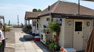 2 winterize lakefront cottages on one property in port Bruce London Ontario image 2