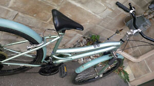 Womans Mongoose Bicycle - In good condition. Kitchener / Waterloo Kitchener Area image 4