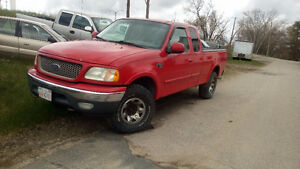 2000 Ford XLT Pickup Truck