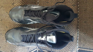 Men's  football cleats size 12