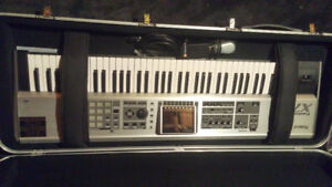 Roland Fantom X7 Keyboard/Sampler (Like New!)