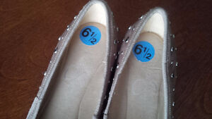 New Suede Beige Shoes - for sale ! Kitchener / Waterloo Kitchener Area image 3
