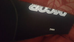 Dacor XL 2 piece 7mm wet suit