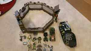 40.00 TAKES ALL 4 PLAYSETS: ARMY TOYS