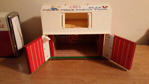 1967 FISHER PRICE FAMILY PLAY FARM IN AMAZING CONDITION!!!!!!!!! London Ontario image 3