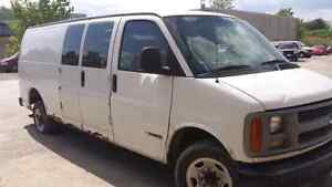WE ARE PARTING OUT A 1998 CHEVY EXPRESS 3500 Windsor Region Ontario image 2