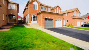 HOUSE FOR RENT IN BRAMPTON NEAR Airport and Bovaird