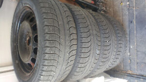 Michelin X-ICE 205 55 R16 sur roues d'acier