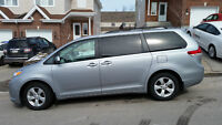2014 Toyota Sienna 8 pass Van (TAKE OVER MY LEASE + $500)