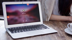 MACBOOK AIR 11 INCH. Excellent condition