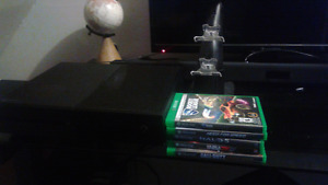 Xbox one 1tb with games and charging stand