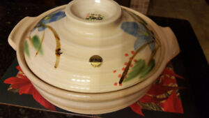 For sale Donabe cooking pot