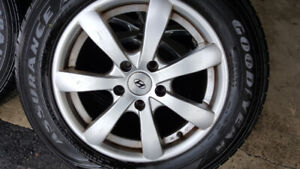 Hyundai Mags and Tire 215-60-R16 Bolt pattern 5x114.3