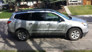 2011 Chevrolet Traverse LS SUV, Crossover. Winter tires included