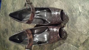 Steve Madden Brown Shoes - size 10 London Ontario image 2