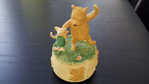 Classic Winnie the Pooh - Pooh and Piglet music figurine