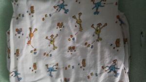 Flabbel fitted crib sheet