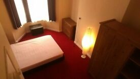 Nice cheap accomadation near Stratford Station please call