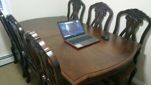 Attractive Dining Set