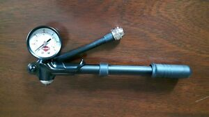 Hand Pump for Air Shocks