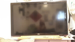 """42"""" LG Flat Screen TV $180 or open to any reasonable offer"""