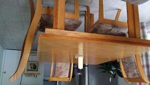 set de cuisine en chêne