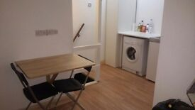 ***ALL BILLS INCLUDED*** studio flat in Shoreditch ***NO AGENTS***
