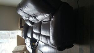 Genuine automatic reclining leather couch London Ontario image 4