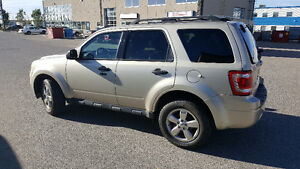 2011 Ford Escape XLT SUV, Crossover (FULLY LOADED) REMOTE START