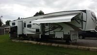 5th Wheel 5 SLIDES! 2BATHROOMS! 2BEDROOMS! 2KITCHENS! FIREPLACE!