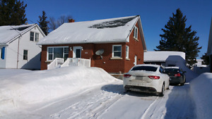 1.5 storey Brick home in Laurentain Valley!