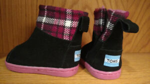 Tiny Toms boots