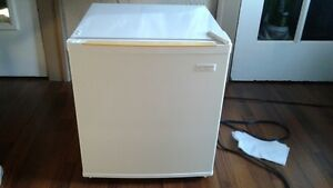 Maytag Bar Fridge (white) / Like New