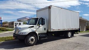 2007 International 4300 G Licence with  20Ft. Box Pre Emission