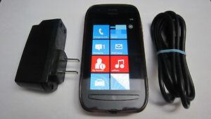 Nokia Lumia 710 Windows cellphone Rogers/ChatR
