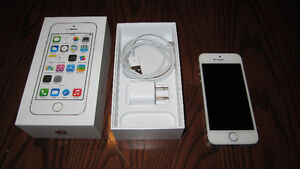 Apple iPhone 5S 16GB white - like-new condition (Bell)