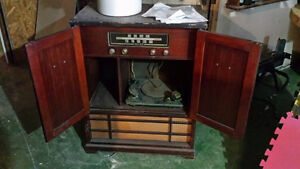 Antique Stereo turn table Cornwall Ontario image 2