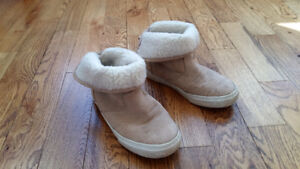 Size 12 Girls Gap suede boots