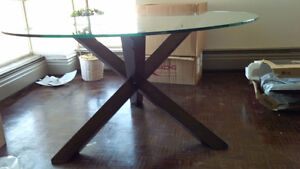 GLASS ROUND DINING ROOM TABLE