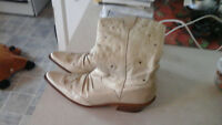 woman's size 8 1/2 m ,western style boots