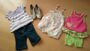 Vêtements et souliers pour fille, taille 0-12 mois
