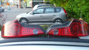 2003-2007 Infiniti G35 coupe tail lights (feux rouges)