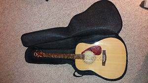 Yamaha Guitar with Case/ Like new, never played