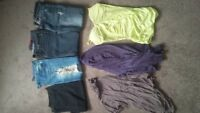Womens clothing size s/m bottoms size 28/30